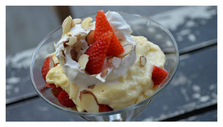 Strawberry Cheesecake Pudding Parfait