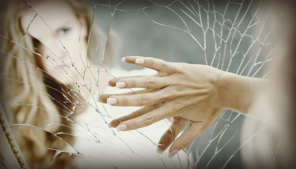 Body Dysmorphic Disorder: What You Need to Know as a ...