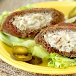 Jalapeño Popper Stuffed Burger Patties